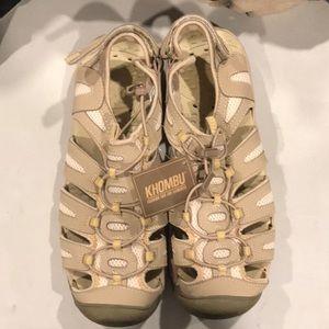 NEW Khombu water sandals
